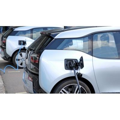 Каждому жильцу в Германии дано право заряжать электромобиль