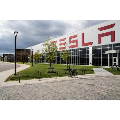 Компания Tesla показала аппарат ИВЛ, в котором по максимуму испо