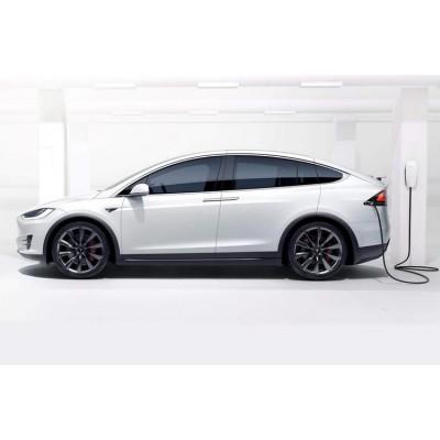 Обновленная Tesla Model S стала динамичнее, чем Bugatti Chiron