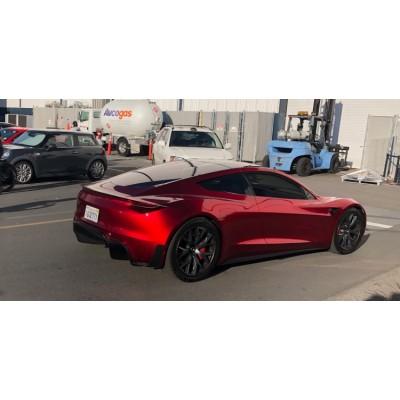 Спортивный электрокар Tesla Roadster задержится с выходом до 202