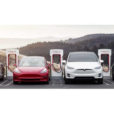 Илон Маск считает, что автомобили Tesla — дорогие. Он готов это