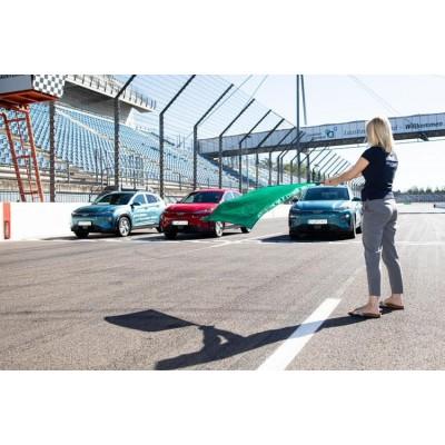 Электрокар Hyundai Kona проехал тысячу километров без подзарядки
