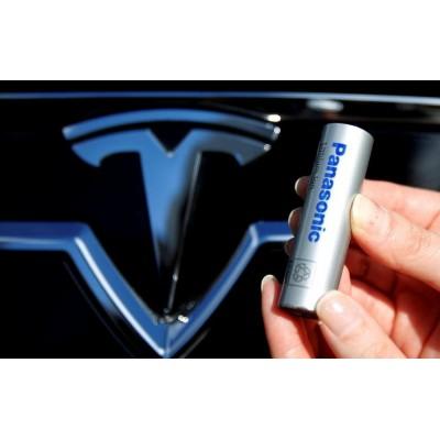 Panasonic обещает увеличить ёмкость тяговых батарей Tesla на 20