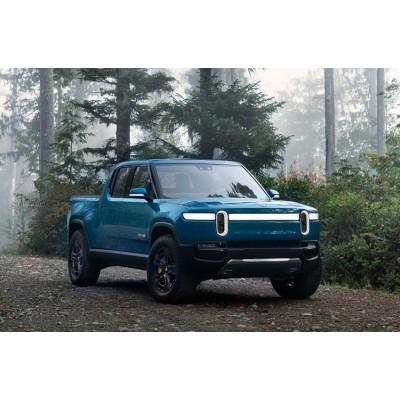Салоны электромобилей Rivian составят конкуренцию Bentley и Linc