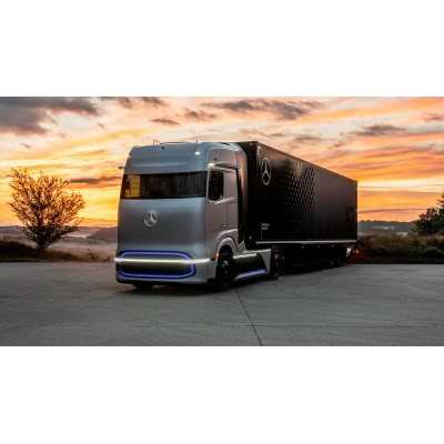 Mercedes представил водородный грузовик с запасом хода 1 тыс. км