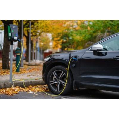 Электромобили оказались в два раза дешевле обычных в ремонте и о