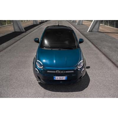Характеристики электрокара Fiat 500 рассекречены итальянским про