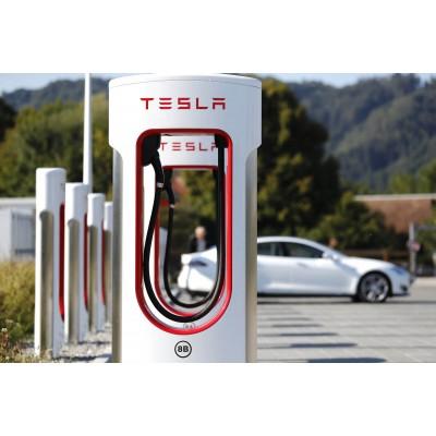 Новый тип аккумулятора позволит электромобилям проехать почти 24